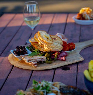 Limousine King Stretch Limo Hire Melbourne | Wedding Limo Hire Melbourne | Winery Tours Mornington Peninsula